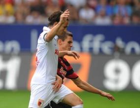 Защитник на Аугсбург аут за осем седмици