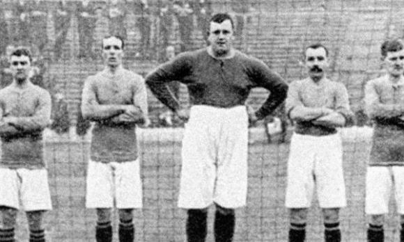 """""""От скрина"""": 150-килограмовият вратар на Англия"""