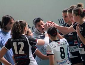 Треньорката на Славия-СУ се заканва на рефер: Ще ти счупя носа! Селски!