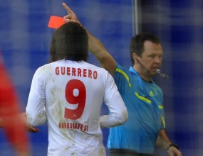 Наказание от 6 мача грози звезда на Хамбургер ШФ (видео)
