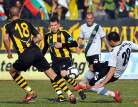 Пратиха Ботев срещу Черноморец Поморие, програмата за 19-и кръг в Б група