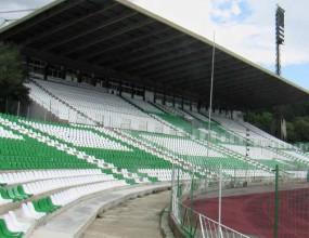 Паметен ден за футбола в Стара Загора - Берое взе базата и стадиона за 10 г.