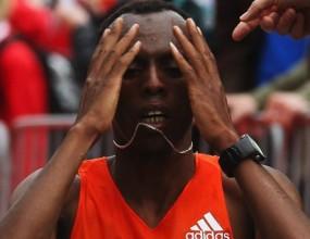 Етиопец триумфира на маратона в Хамбург с рекорд на трасето