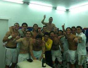 Реал Мадрид празнува в съблекалнята (видео+фотогалерия)