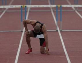 Кулсон №1 на 400 м/пр, контузия за Феликс Санчес