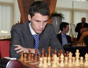 Иван Чепаринов е едноличен лидер кръг преди края