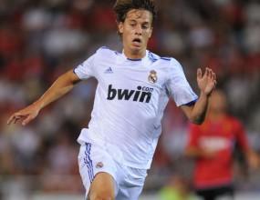 Реал даде и Каналес на Валенсия