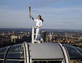 """Олимпийският огън се качи на """"Окото на Лондон"""""""
