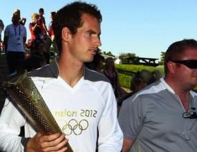 Анди Мъри пренесе олимпийския огън през кортовете в Уимбълдън