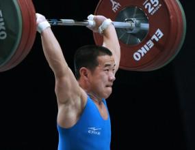 Падна олимпийският рекорд в изтласкването в категория до 56 кг.