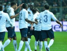 Франция напомпа самочувствие с победа над Италия в Парма (видео)