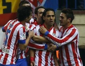 Атлетико разгроми Севиля, Фалкао прекъсна головата си суша (видео)