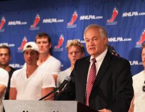 Федералните власти ще посредничат при преговорите в НХЛ