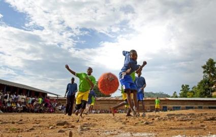 Само в Бурунди ритат здраво пред Нова година