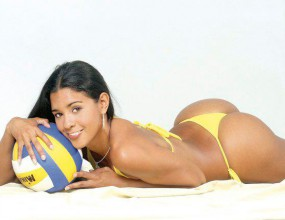 Най-красивата волейболистка от Перу се върна към спорта (ВИДЕО + ГАЛЕРИЯ)