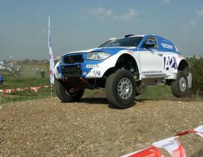 Българските екипажи се движат на 59-о и 60-о място в рали Дакар
