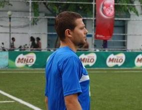 Стоичков уредил българин за капитан в Мианмар