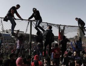 30 убити и 300 ранени при сблъсъците в Египет