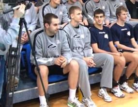 Вижте първите снимки на Георги Братоев с екипа на Югра