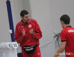 Сашо Попов направи наръчник на волейболиста