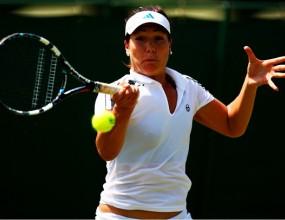Победа за Елица Костова в първия кръг в Дижон