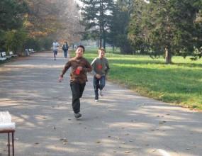 Ако обичаш бягането, обличай екипа и идвай