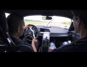 Една обиколка с бъдещото Porsche 918 Spyder (Видео)