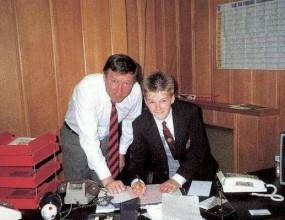 Ето как 14-годишният Бекъм подписа с Ман Юнайтед (снимка+видео)