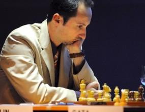 Топалов завърши турнира с реми срещу победителя Карякин