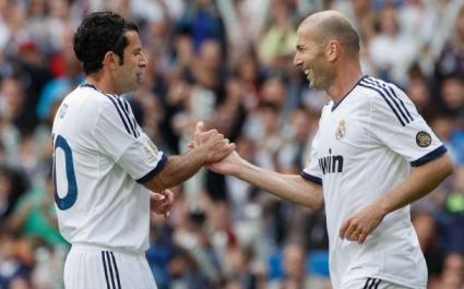 Фиго и Зидан блестяха в зрелище между легендите на Реал Мадрид и Ювентус (галерия)