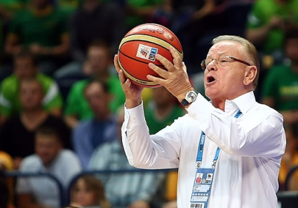 Ивкович се кара на своите: Тишина! (видео)