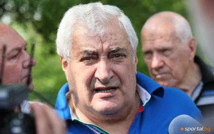 Задължително да предложат нов договор на Любо, съветва Иван Вуцов