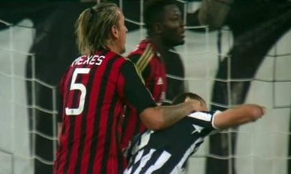 Вижте как Мексес удари с юмрук Киелини (видео)