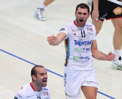 Силен Цецо Соколов със 17 точки! Тренто взе Суперкупата на Италия след 3:0 над Мачерата (ВИДЕО + ГАЛЕРИЯ)