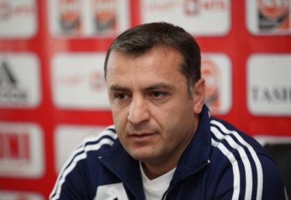 Треньорът на Армения: Ще подходим агресивно към България
