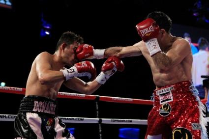 Омар Нарваес защити титлата световен шампион по бокс за професионалисти в категория супер-муха