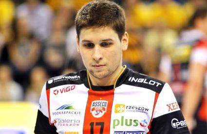 Ники Пенчев и Ресовия обърнаха Кнак с 3:1 в плейофите на ШЛ