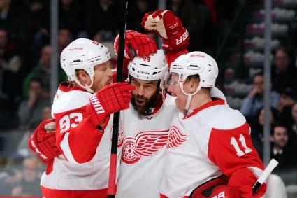 Павелски и Францен вкараха хеттрик за отборите си, Ягър с гол №699 в НХЛ
