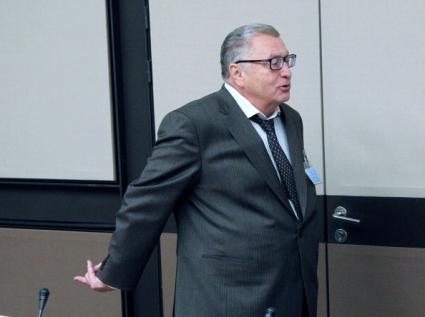 Жириновски иска само ергени в националния