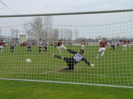 Масов бой между футболисти на Локо (Мездра) и роми завърши с двама задържани