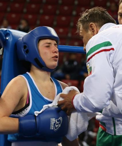 Младенова измъчи световната шампионка, но загуби