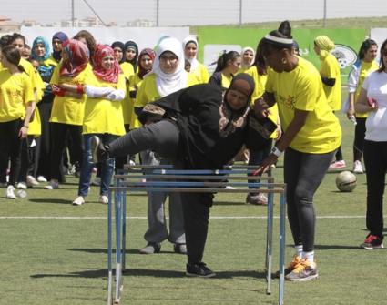 Джаки Джойнър изнесе атлетически урок пред палестинските жени