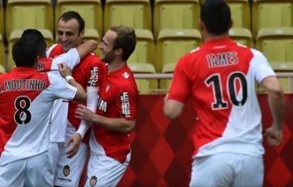 Гениалност на Бербатов донесе победа на Монако в дербито (видео + галерия)