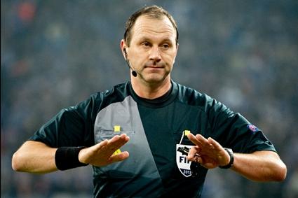 Повериха Атлетико - Челси на шведски съдия