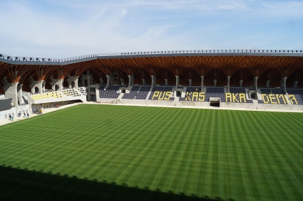 Унгарският премиер откри стадион в родното си село