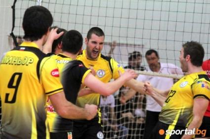 Волейболистите на Миньор получават купа за влизането си в Суперлигата в петък