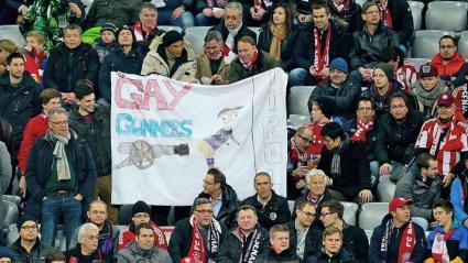 """Фенове ще си плащат на Байерн заради """"Gay Gunners"""""""