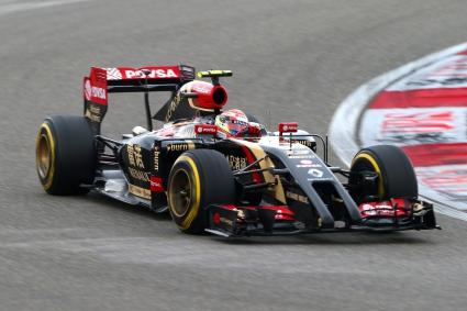 Лотус най-бързи в двудневните тестове в Барселона