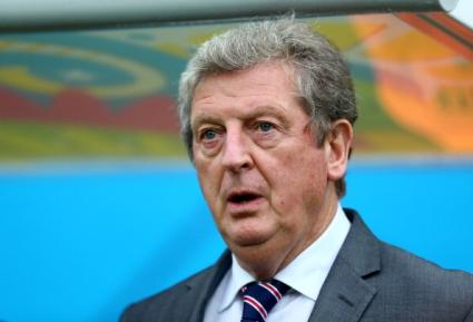 Английските национали също изразиха подкрепата си към мениджъра Ходжсън