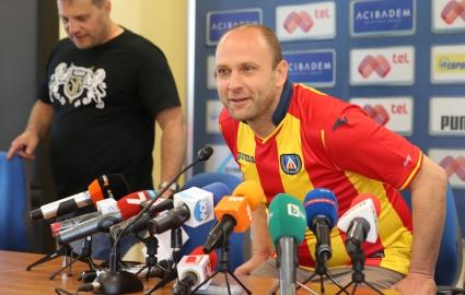 Тити Папазов даде отчет за юбилея (видео)